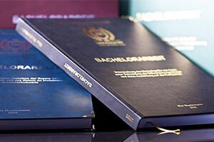 Papier für Bachelorarbeit Abschlussarbeit drucken binden